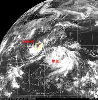 2011年6月22日12時 台風4号と熱低