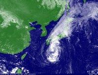 2013年9月15日12時JST ひまわり7号可視画像
