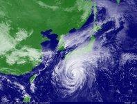2013年10月15日12時JST ひまわり7号可視画像