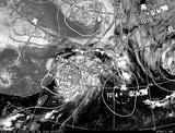 ひまわり7号可視画像・天気図合成 2014年7月9日12時JST