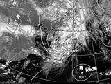 ひまわり7号可視画像・天気図合成 2014年7月10日12時JST