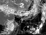 ひまわり7号可視画像・天気図合成 2014年7月23日12時JST