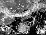 ひまわり7号可視画像・天気図合成 2014年8月7日12時JST
