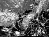 ひまわり7号可視画像・天気図合成 2014年8月9日12時JST