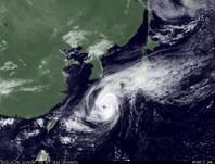 ひまわり7号可視画像 2014年10月5日12時JST