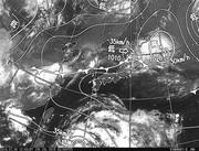 ひまわり8号赤外線画像&天気図合成 2016年7月6日12時JST